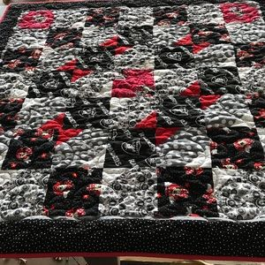 Minnie Mouse Raiders Lap or Baby Quilt